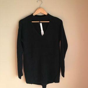 NWT BLACK Choker neck long sleeve tunic sweater